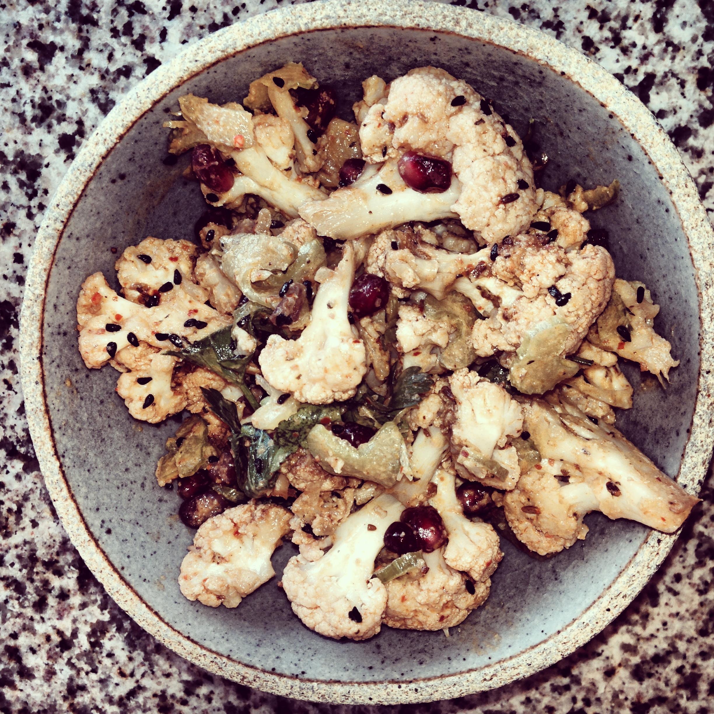 Roasted Cauliflower with Kalonji and Pomegranate Seeds | birgerbird