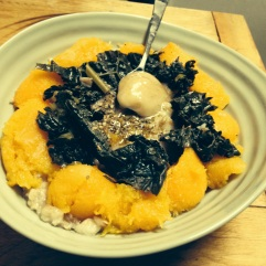 Oats with mango, kale and honey